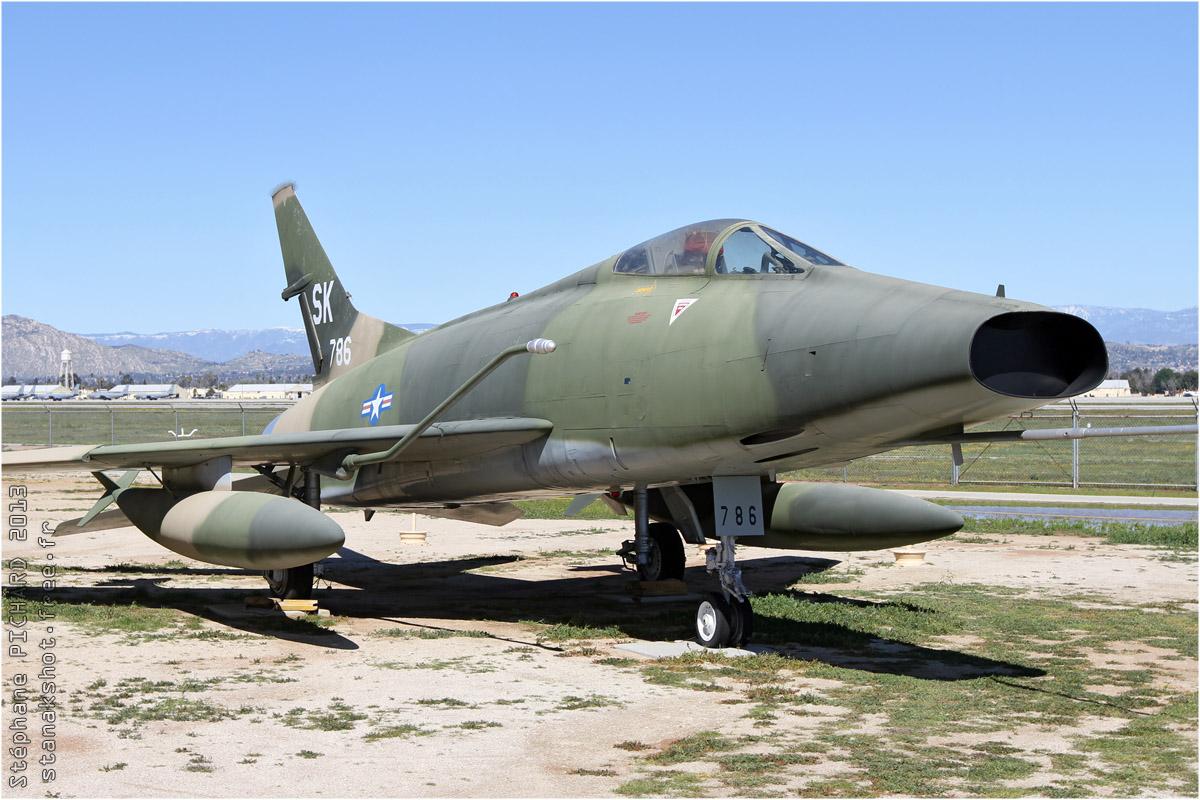 AviationsMilitaires.net — North American F-100 Super Sabre