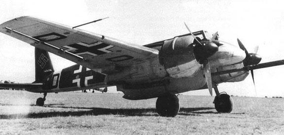 [FROG] messerschmitt 410 hornisse - Page 2 Hs_129B-3_Lufwaffe_Archives