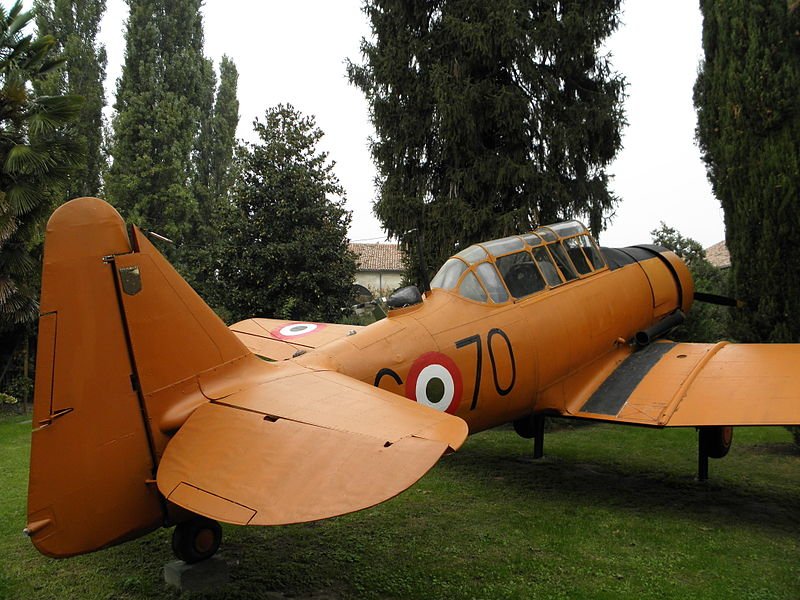 North American T-6H Texan italien